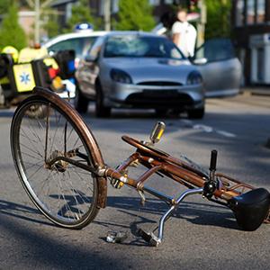 居眠り運転による死亡事故で賠償額が約7千万円認容された判例
